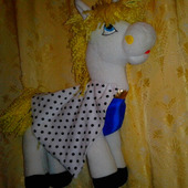 Красивая игрушка пони