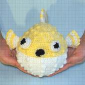 Вязаная мягкая игрушка рыба фугу