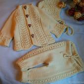Комплекты одежды для малышей: кофта+штанишки+шапочка