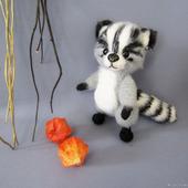 Мягкая игрушка Еня, вязаный енот