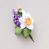 """Брошь на весну с цветами """"Нарцисс и сирень"""" из фоамирана"""