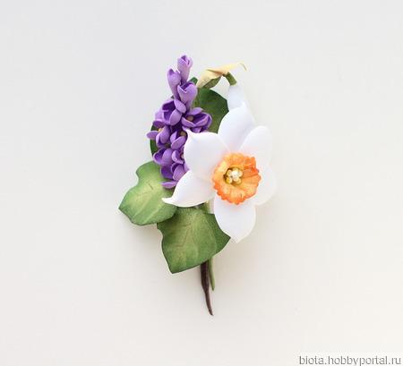 """Брошь на весну с цветами """"Нарцисс и сирень"""" из фоамирана ручной работы на заказ"""