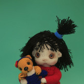 Амигуруми куклы и игрушки:  Кукла Вика с мишкой