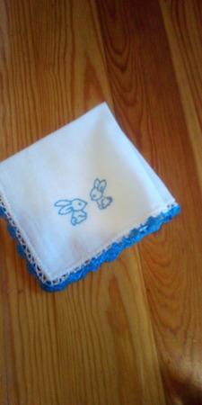 Платочки детские с вышивкой ручной работы на заказ