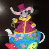 """Грелка на чайник """"Алиса в стране чудес """""""