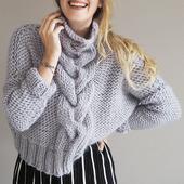 Модный вязаный свитер крупной вязки ручной работы