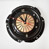 Настенные часы из сцепления