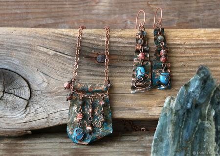 Комплекты украшений из меди и риолита «Ушуая» ручной работы на заказ