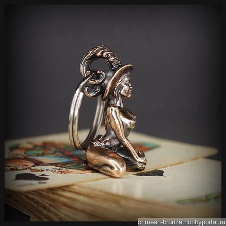 """Брелок для ключей """"Дама Пик"""" , бронза ручной работы на заказ"""