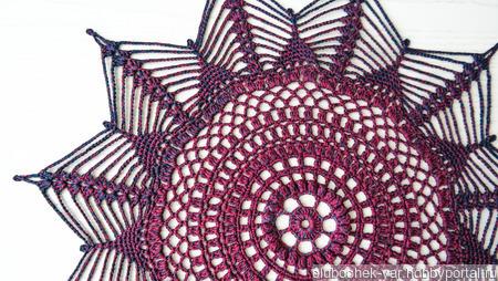 Салфетка вязаная  бордовая ручной работы на заказ