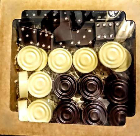 Шоколадные шашки, домино ручной работы на заказ