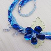 Колье из бисера Синий цветок