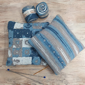 Подушка с декоративным чехлом в бело-серо-синем цвете