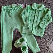 Комплект связанный спицами для ребенка