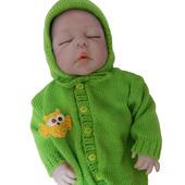 Вязаный комбинезон с шапочкой для малыша