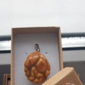 Кулон из янтаря