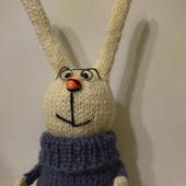 Вязаная игрушка: зайчик амигуруми, подарок ручной работы