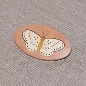 Брошь из дерева с инкрустацией Бабочка №1