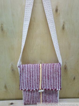 Тканая сумка через плечо красного, коричневого и белого  цвета, украшенная яркой тонкой полоской. ручной работы на заказ
